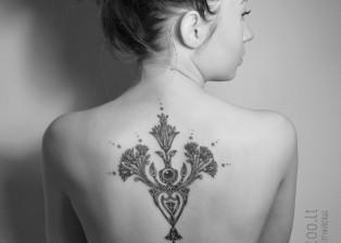 dovydas klimavicius positive tattoo nefertites ziedas 2 jpg